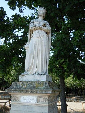 La Statue d'Anne de France