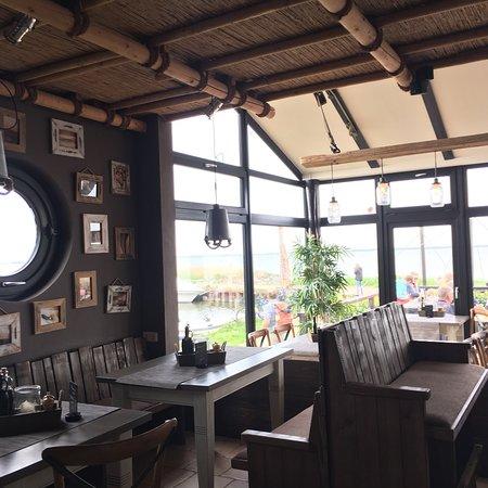 Cafè Knatter: Einblick ins urig, gemütliche Café