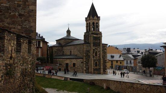 Iglesia de San Andres: VISTA DESDE LA MURALLA DE LA FORTALEZA