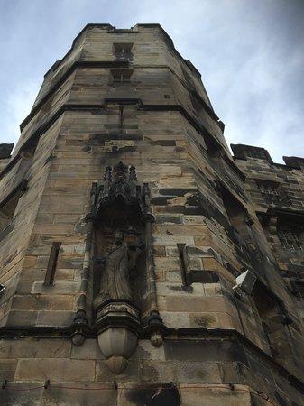Lancaster Castle: Imposing.
