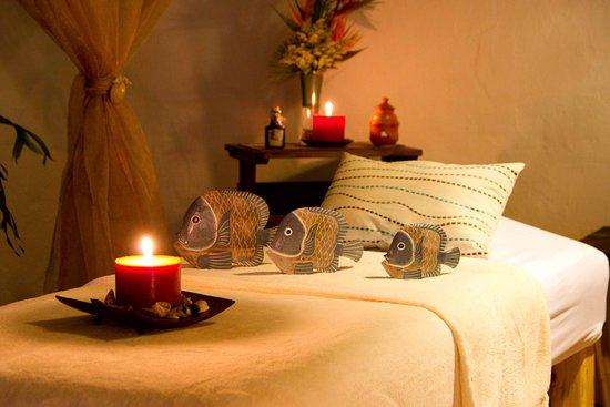 Brassia Estetica y spa: Wide and comfortable stretchers  // Camillas amplias y cómodas para disfrutar del masaje