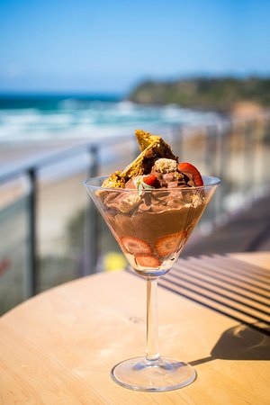 Coolum Beach, Australia: You can't beat a home made dessert from our talented chefs
