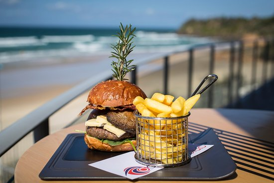 Coolum Beach, Australia: Delicious burgers with house ground beef patties