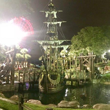 Pirate's Cove Adventure Golf: photo2.jpg