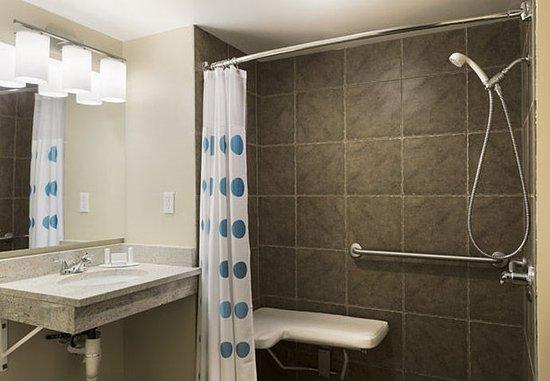 TownePlace Suites Salt Lake City Layton: Guest room