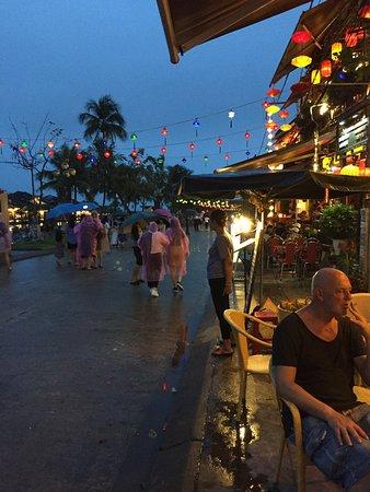 Halong Tours Booking: Fabulous night market Hanoi