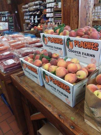 Fairfield, TX: Fresh peaches!
