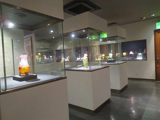 Jiyugaoka, Japán: 一誠堂美術館館内