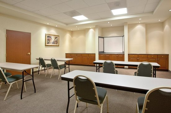 Holiday Inn Express Hotel & Suites Tucson Mall: Meeting room
