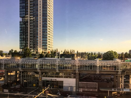 Holiday Inn Express Hotel Vancouver Metrotown: Metrotown Light Rail Station Across Road