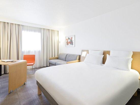 Novotel Amboise: Guest room