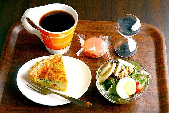 Criollo Cafe Kobe: 土日限定のキッシュランチ