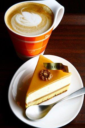 Criollo Cafe Kobe: ガイアは世界コンクール優勝ケーキ