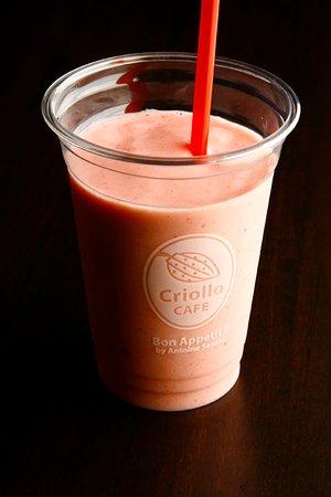 Criollo Cafe Kobe: フローズンはフルーツたっぷり