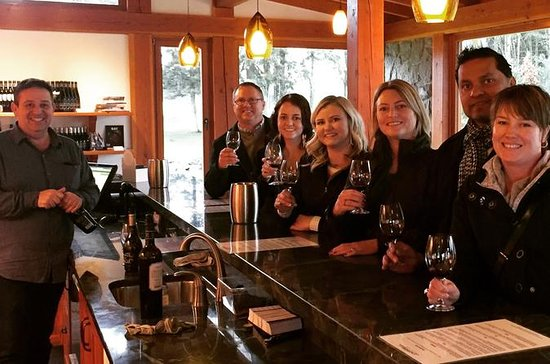 Cowichan Valley Wine Tour in...