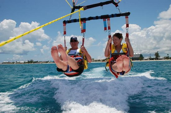 Parasail på Grand Cayman