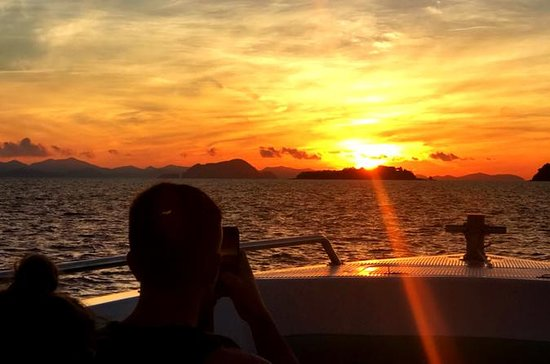 Phi Phi Islands Day Trip at Sunrise...