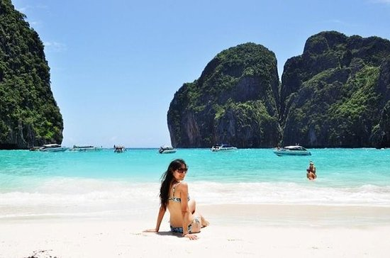 Phi Phi Islands Day Tour by Speedboat...