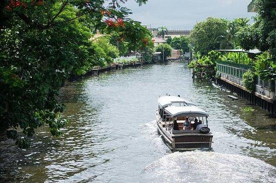 1-Hour Boat Charter Bangkok Noi Canal