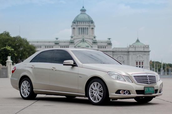 Transferencia del aeropuerto Mercedes Benz Clase E