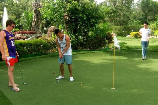 Day-Pass: Mini-golfe de aventura em...