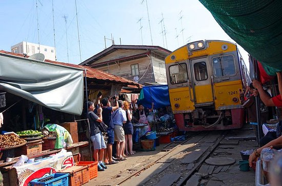 Maeklong Railway & Amphawa Floating...