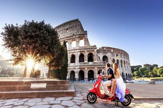 Rome en un jour Private Vespa Tour...