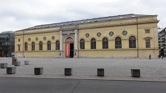 Residenz: Budynek Muzeum