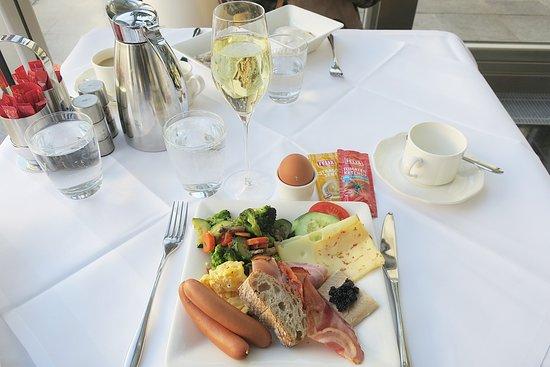 Hotel Ambassador: 朝食ビュッフェ2日目