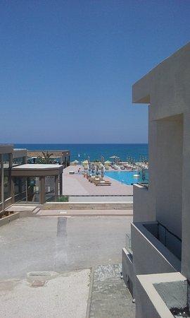 Enorme Eanthia Beach: Uitzicht vanaf ons appartement