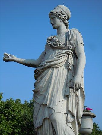Statue Minerve a la Chouette