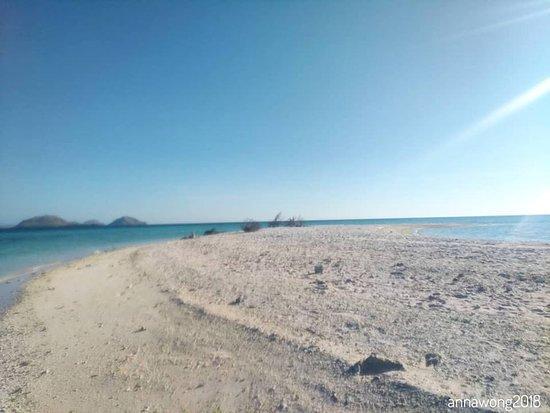 Taka Makassar Island: Pasir Putih