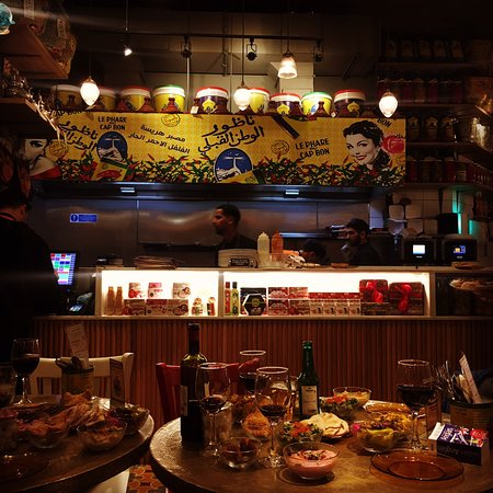 Comptoir Libanais Gloucester Road: Really enjoyed our dinner there. Their portions are generous, so don't order per head. Order lit