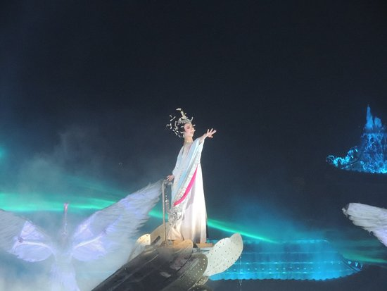 """Bryanbai private tour: Performance of """"The Song Of Unending Sorrow"""" at Xian Huaqing Hot Springs"""