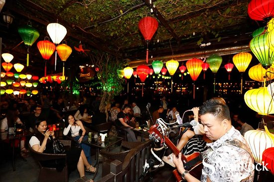 The Shamrock Irish Pub Hoi An: Live music every night at The Shamrock Hoi An