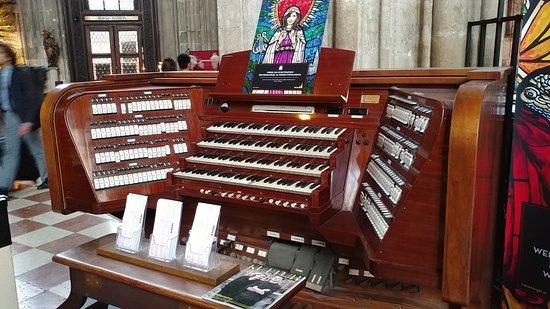 Catedral de Santo Estêvão: 20180502_180203_large.jpg