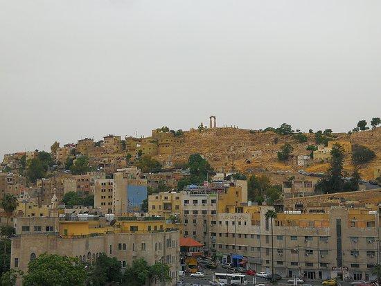 المدرج الروماني: View to Citadel
