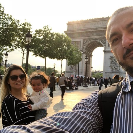 Champs-Elysees Resmi