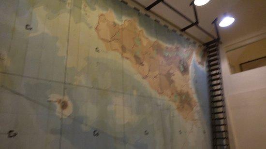 ลาสคาริสวอร์รูม: Lascaris War Rooms