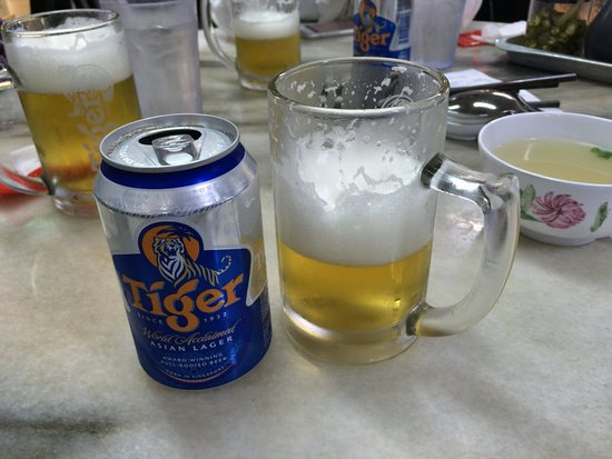 Wee Nam Kee Hainanese Chicken Rice Restaurant: シンガポールといえばTiger Beer!