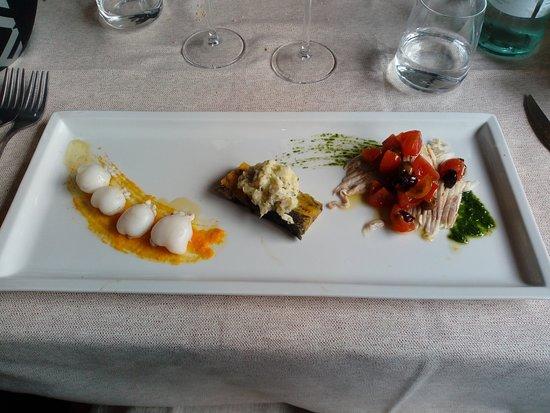 Migliarino, อิตาลี: Antipasto tris: razza con pachini e olive taggiasche..baccalà mantecato e seppioline su vellutat