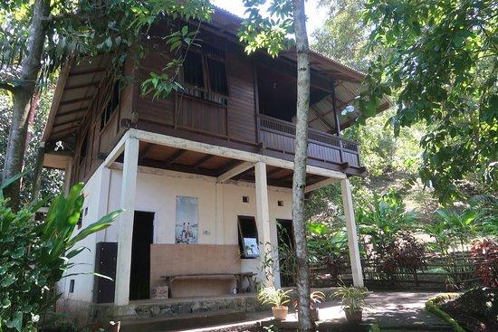 Mamaling Resort Bunaken: Dive centre location