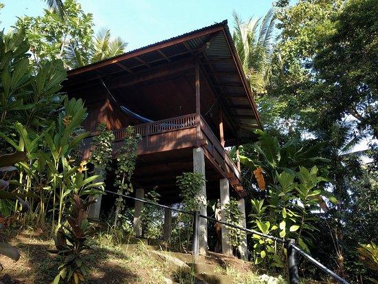 Mamaling Resort Bunaken: The bungalow on the hill
