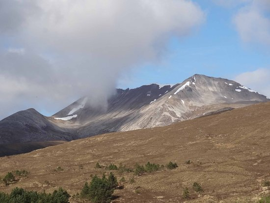 Kinlochewe, UK: Beinn Eighe from the door
