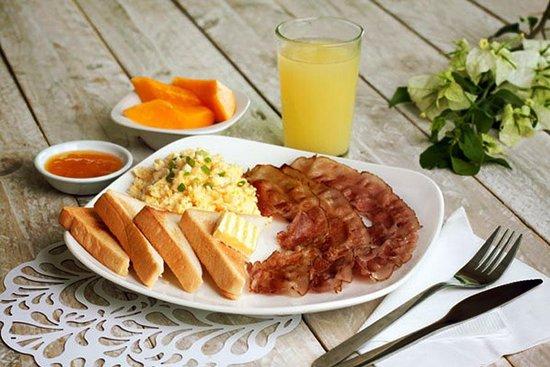 Garden House 2 Restaurant: healthy breakfast