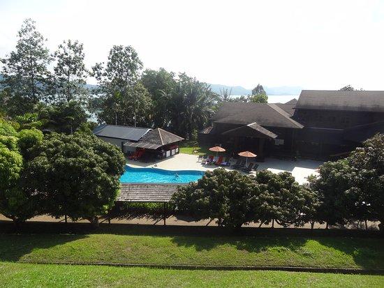 Lubok Antu, Malaysia: The resort is beautifully landscaped