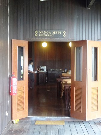 Lubok Antu, Malaysia: Entrance to the Nanga Mepi Restaurant