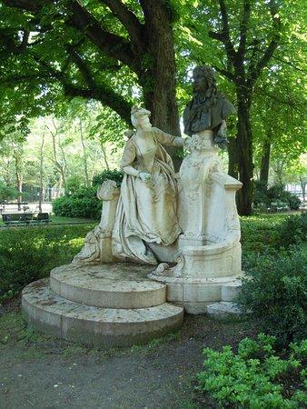 Monument a Watteau