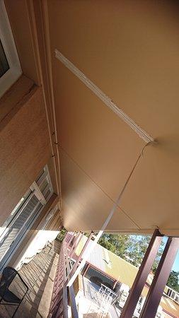 Aurora Alice Springs: Decke über Balkon beschädigt