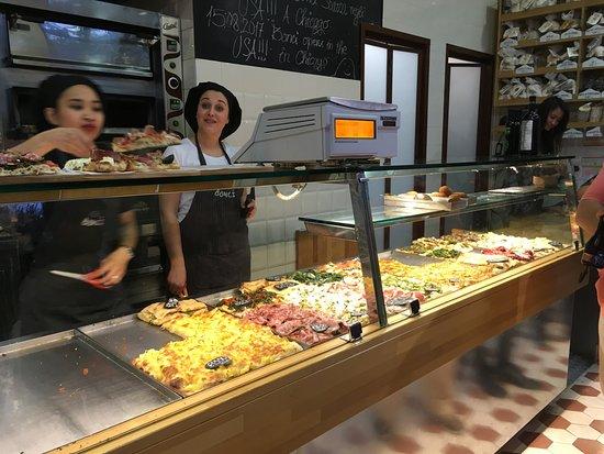 Rome Food Tour by Sunset around Prati District: The Roman Foodtour Prati
